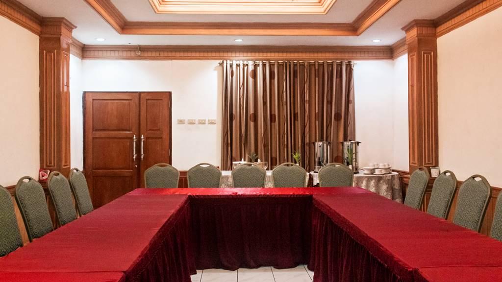 Hotel Duta Berlian Jasmine Room