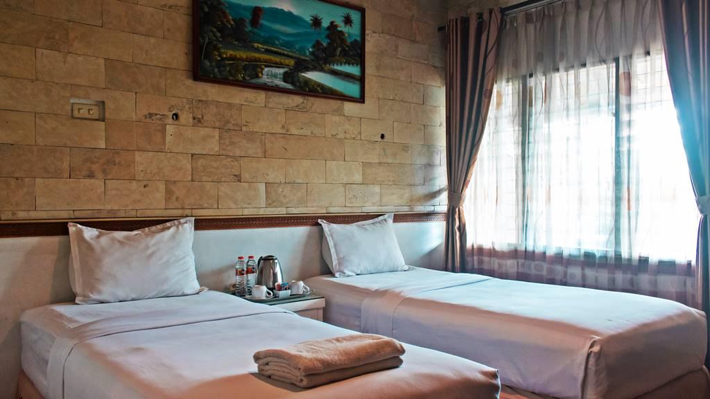 Kamar Standar Hotel Duta Berlian