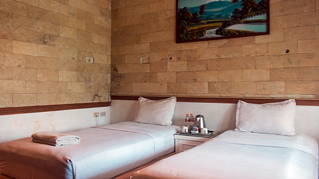 Kamar Standar Hotel Duta Berlian012